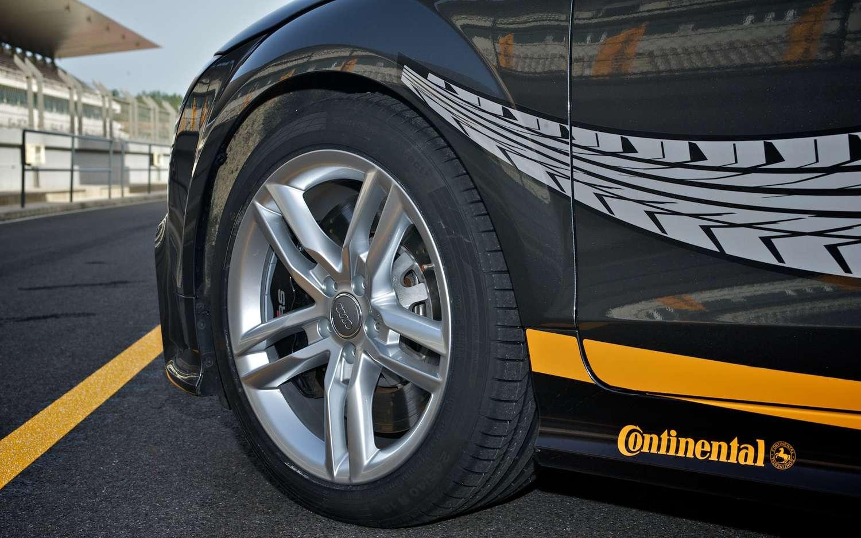A Continental SportContact 5 nyári gumi