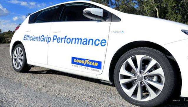 Goodyear gumiteszt: Efficientgrip Performance